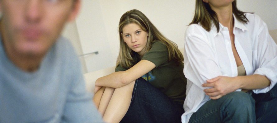 Kako lakše prebroditi adolescenciju deteta