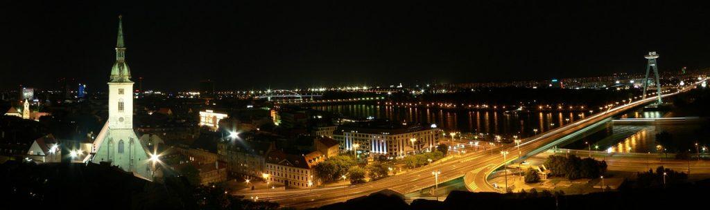 Bratislava je jedan od četiri glavna grada kroz koje protiče Dunav