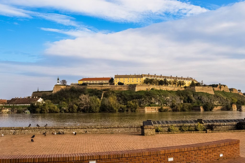 Dunav ispod Petrovaradinske tvrđave (Novi Sad)
