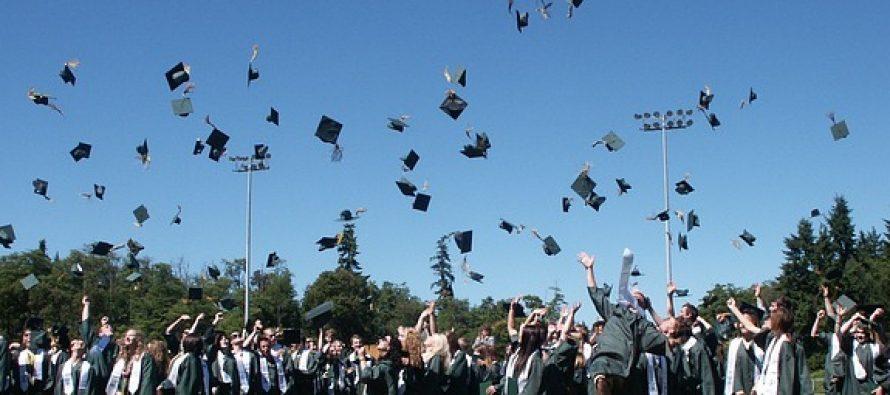 Novi pravilnik o eksurzijama: Samo maturanti srednjih škola idu u inostranstvo?