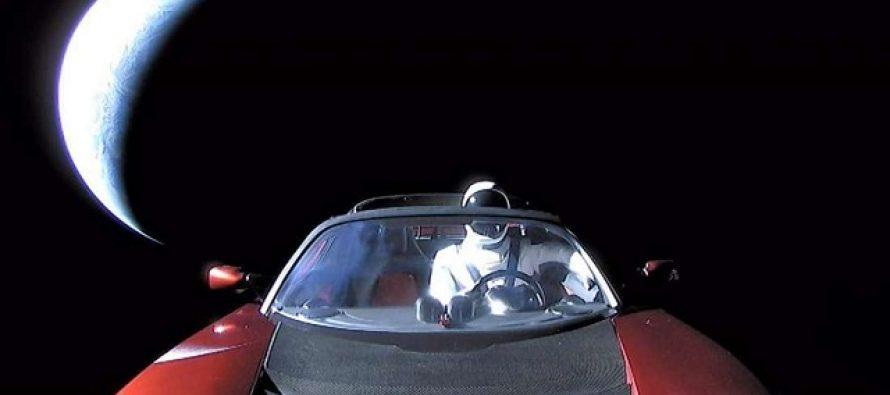 Naučnici znaju gde će i kada Maskov Tesla pasti