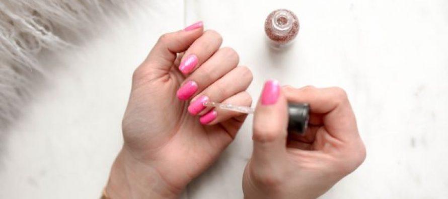 Kako da ti lak za nokte duže traje?