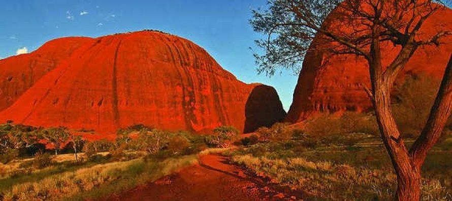 Uluru – magična stena koja menja boje!