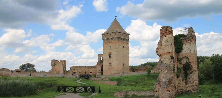 Bačka Tvrđava – Srednjovekovna lepotica